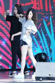 HD kpop pictures and gifs. Girls Generation, Girls' Generation Taeyeon, Kpop Girl Groups, Korean Girl Groups, Kpop Girls, Sooyoung, Yoona, Ulzzang, Taeyeon Fashion