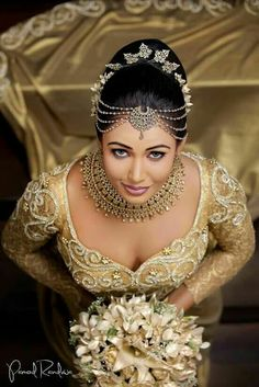 Lovely presentation by Sri Lankan Bride Beautiful Girl Indian, Most Beautiful Indian Actress, Beautiful Bride, Beauty Full Girl, Beauty Women, India Beauty, Asian Beauty, Bollywood, Femmes Les Plus Sexy