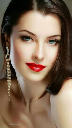 John Ercan So tired to love again Beautiful Young Lady, Most Beautiful Faces, Stunning Eyes, Beautiful Lips, Beautiful Girl Image, Gorgeous Women, Beautiful Clothes, Brunette Beauty, Brunette Girl
