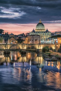 *🇮🇹 St Peter's Basilica (Rome, Italy) by Manjik photography on 🏙 Rome Streets, Rome City, Vatican City, Beautiful Places To Travel, Best Places To Travel, Places To Visit, Romantic Travel, Rome Travel, Italy Travel
