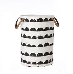 ferm LIVING Half Moon cesto da bucato/Laundry Basket  https://www.aitonordic.it/collections/protti-per-cucina-e-per-tavolo/products/half-moon-laundry-basket-ferm-living
