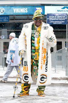 I really like the fluffy jacket on this guy! I want it! I think I can make something like it.