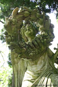 https://flic.kr/p/bV6P1p | Friedhof Wiesbaden