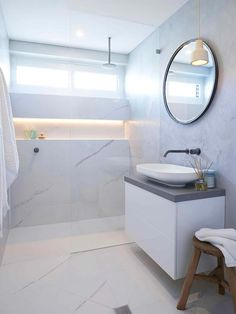 With the right floor plan and some space-saving tips and visual tricks, you can create a bathroom that feels spacious and luxurious. Modern White Bathroom, Modern Bathroom Decor, Simple Bathroom, Bathroom Interior, Minimal Bathroom, White Bathrooms, Mold In Bathroom, Bathroom Floor Plans, Bathroom Images
