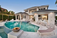 Contemporary Style House #outdoorliving