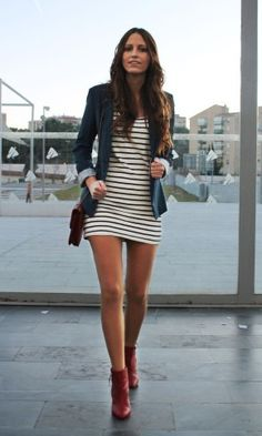 Love the blazer and stripes!