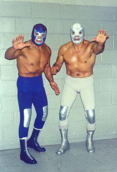 Blue Demon sr y El Santo sr Blue Demon, Luchador Mask, Mexican Wrestler, Catch, Wrestling Stars, Mexico Style, Workout Pictures, Fitness Pictures, Professional Wrestling