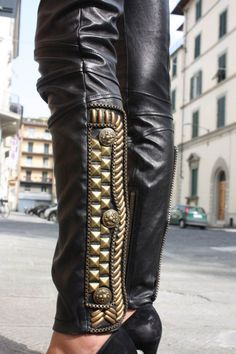 #studs #LondonCalling #blackLeather