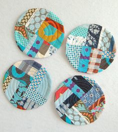17 Brilliant Ideas for Upcycling your Scrap Fabric - Upcycle My Stuff Quilted Coasters, Fabric Coasters, Fabric Remnants, Fabric Scraps, Scrap Fabric, Quilting Projects, Sewing Projects, Kit Diy, Fabric Brooch