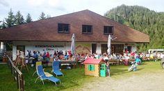 Grillabend auf der Strohsackhütte - ein herrliches Wetter und viele Köstlichkeiten am Berg www.almrausch.co.at