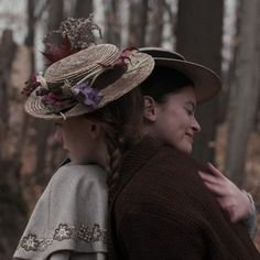 """""""True friends are always together in spirit. Montgomery, Anne of Green Gables Anne Shirley, Anne Auf Green Gables, Diana Barry, Gilbert And Anne, Anne White, Amybeth Mcnulty, Gilbert Blythe, Anne With An E, Cuthbert"""