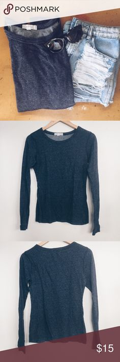 Ribbed long sleeve Super comfy and fitted style. Easy to just throw on. Forever 21 Tops Tees - Long Sleeve