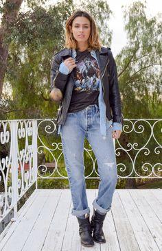 look jaqueta de couro e jeans