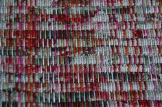 Rag weaving with multi-coloured warp