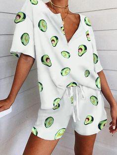 Types Of Sleeves, Short Sleeves, Pajama Suit, Kylie Jenner Style, T Tv, Estilo Fashion, Costume, T Shirt And Shorts, Drawstring Pants