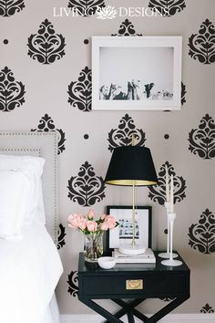 ¿Quieres tus paredes con papel tapiz o vinilos pero a un costo mucho menor?… House Front Wall Design, Wall Texture Design, Wall Stencil Patterns, Spa, Beautiful Bedrooms, Textured Walls, House Rooms, My Room, Wall Treatments