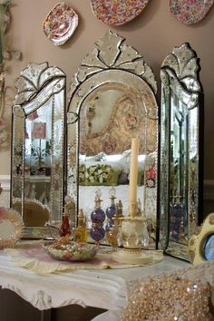 Get Divine collection of antique Venetian style wall, tri fold and colored mirrors at Casually Elegant Home. Best quality antique Venetian mirrors are available with us. Old Mirrors, Vintage Mirrors, Vintage Vanity, Mirror Mirror, Glass Mirrors, Venetian Glass, Venetian Mirrors, Muebles Shabby Chic, Décor Antique