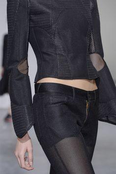Junya Watanabe design - Love this! Dark Fashion, Suit Fashion, Love Fashion, High Fashion, Womens Fashion, Style Noir, Mode Style, Mode Sombre, Christian Dior