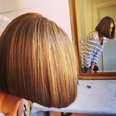 Retro Hairstyles, Bob Hairstyles, Hairdos, Long Hair Trim, Angled Bobs, Inverted Bob, Medium Hair Styles, Short Hair Styles, Bob Styles
