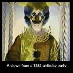 Scary Photos, Creepy Images, Creepy Pictures, Scary Picture, Funny Photos, Strange Images, Gruseliger Clown, Creepy Clown, Clown Meme