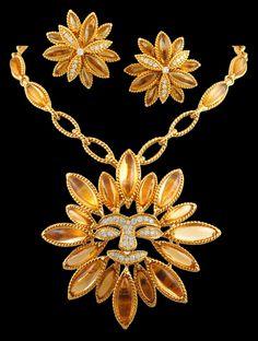 VAN CLEEF & ARPELS Diamond 'Sunflower' Suite Necklace - Yafa Jewelry