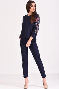 Μπλούζα με floral κέντημα στα μανίκια σε μπλε χρώμα Floral, T Shirt, Style, Fashion, Supreme T Shirt, Swag, Moda, Tee Shirt, Fashion Styles