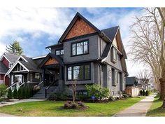 gray house black trim - Google Search Stucco Homes, Stucco Exterior, Grey Exterior, Modern Farmhouse Exterior, Dark Grey Houses, Dark House, Black House Exterior, House Paint Exterior, Exterior Color Palette