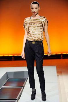Vivienne Tam Fall 2010 Ready-to-Wear Fashion Show