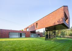 Image from Living-Garden House in Katowice by KWK Promes arch. Konieczny in Katowice, Poland. World Architecture Festival, Architecture Résidentielle, Houses In Poland, Backyard House, House Roof, Planer, Facade, Villa, Construction