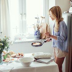 Na @makelifeeasier_pl przeczytacie dziś o tym, jak wygląda u mnie weekendowy poranek ☀️ Zapraszam wszystkich na nowy wpis (link do bloga znajdziecie w profilu ) #breakfastscene #jeśćispać #seemorepictures #pobudka #chałka