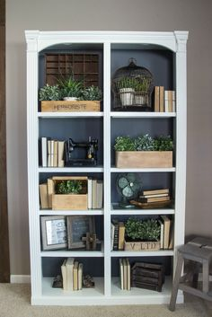 DIY Reclaimed Crates Bookcase Makeover