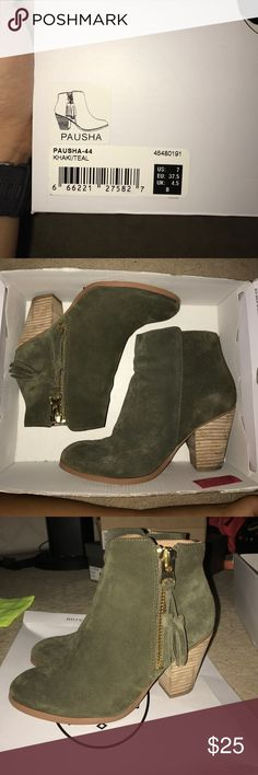 ALDO KHAKI GREEN SUEDE PAUSHA BOOTIES SIZE 7 These are the Pausha booties by Aldo. Authentic size 7. Worn obviously but I'm not trying to hide it. Other than some heel stains and obviously wear on the soles, the suede and zippers are brand new. No longer sold by retailer. ✨ Worn with socks never bare feet! Tory Burch sold separately! Aldo Shoes Ankle Boots & Booties