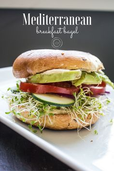 Mediterranean Breakfast Bagel - Healthy Dinner / Lunch Recipes - — The Local Vegan™ Breakfast Bagel, Vegetarian Breakfast, Vegan Breakfast Recipes, Vegan Vegetarian, Vegetarian Recipes, Healthy Recipes, Breakfast Ideas, Bagel Bagel, Lunch Recipes