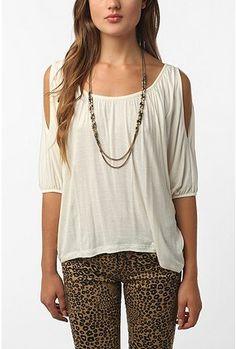 this shirt looks so good with cheetah pants