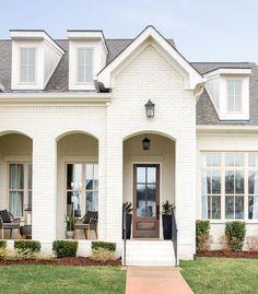 Dream House Exterior, Exterior House Colors, Exterior Design, Cottage Exterior, House Exteriors, Home Design Magazines, Transitional House, House Front, Front Porch