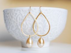 Calla Earrings