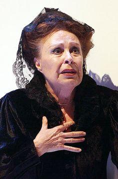 GEMMA CUERVO actriz de teatro, cine y tv. N.en Barcelona en 1936