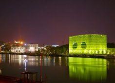 JAKOB+MACFARLANE et Fabrice HYBER, Siège Euronews, 2014 ▪︎ Chantier emblématique de la ville de Lyon, les Docks sont un territoire d'innovation, d'audace et de rencontre entre le Rhône et la Saône. Art Entreprise y réalise de nombreux concours artistes-architectes.