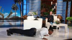 Ellen Dares Michael Strahan to a Push-Up Challenge Michael Strahan, The Ellen Show, Push Up Challenge, Outdoor Furniture Sets, Outdoor Decor, How To Raise Money, Dares, Challenges, Home