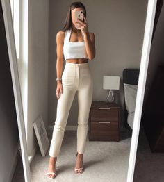Image shared by 🥀™. Find images and videos about instagram and whatemwore on We Heart It - the app to get lost in what you love. Cute Casual Outfits, Stylish Outfits, Mode Outfits, Fashion Outfits, Elegantes Outfit Frau, Mode Instagram, Looks Chic, Elegant Outfit, Mode Inspiration