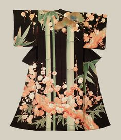 Taisho Kimono (1912-1926) \\ A stunning silk kimono featuring a 'shou-chiku-bai' design of pine trees, bamboo and ume blossoms created with yuzen-dyeing.