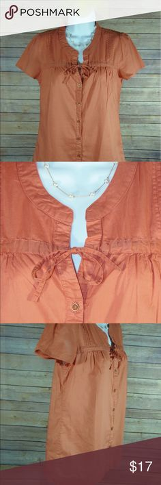 Banana Republic Womens Orange Button Shirt,Size XS Banana Republic Womens Button Down Shirt Cap Sleeve Drawstring Tie  Pleated Front  Color:  Burnt Orange or Dark Coral Size:  XS Top Collar to Bottom Hem Measurements:  20 inches Arm to Arm Measurements:  16 inches Cap Sleeve Measurements:  7 inches 100% Cotton Made in China RN# 54023 CA# 17897 Excellent Used Condition Banana Republic Tops Button Down Shirts