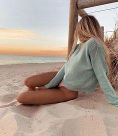 Pin od anna nowak na photo beach aesthetic, beach i one summer. Beach Aesthetic, Summer Aesthetic, Blonde Aesthetic, Aesthetic Hair, Summer Pictures, Beach Pictures, Beach Instagram Pictures, Instagram Beach, Instagram Girls