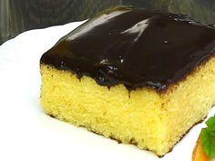 Schneller Eierlikör-Blechkuchen mit Schokoladenguß