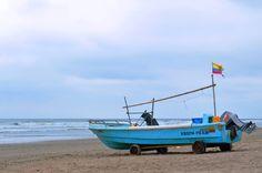Boat on wheels by Joel Villarroel on 500px