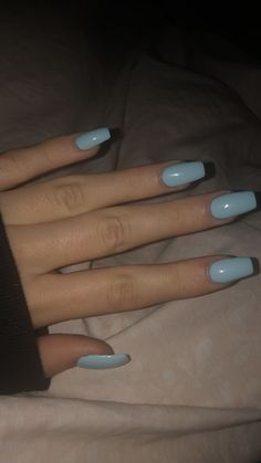 On average, the finger nails grow from 3 to millimeters per month. If it is difficult to change their growth rate, however, it is possible to cheat on their appearance and length through false nails. Summer Acrylic Nails, Best Acrylic Nails, Pastel Nails, Acrylic Nails Coffin Short, Simple Acrylic Nails, Simple Nails, Spring Nails, Summer Nails, Aycrlic Nails