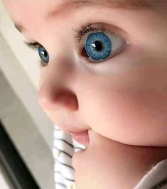 Awesome baby nursery detail are offered on our internet site. Cute Little Baby, Baby Kind, Pretty Baby, Cute Kids Pics, Cute Baby Girl Pictures, Cute Funny Baby Videos, Cute Funny Babies, Cute Baby Girl Wallpaper, Cute Babies Photography