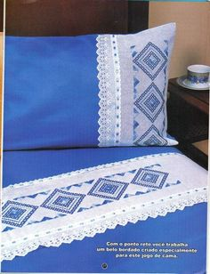 Sábanas Draps Design, Bed Covers, Pillow Covers, Bed Cover Design, Designer Bed Sheets, Swedish Weaving, Linen Bedroom, Bed Runner, Sewing Pillows