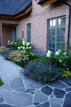 Small Front Yard Landscaping, Garden Landscaping, Landscaping Ideas, Landscape Design Plans, House Landscape, Landscape Bricks, Landscape Fabric, Landscape Architecture, Easy Garden