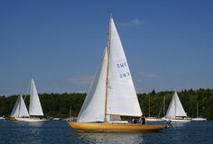 Plaisir toujours renouvelé d'une remontée  de l'Odet à la voile ou à l'aviron, dans le silence...